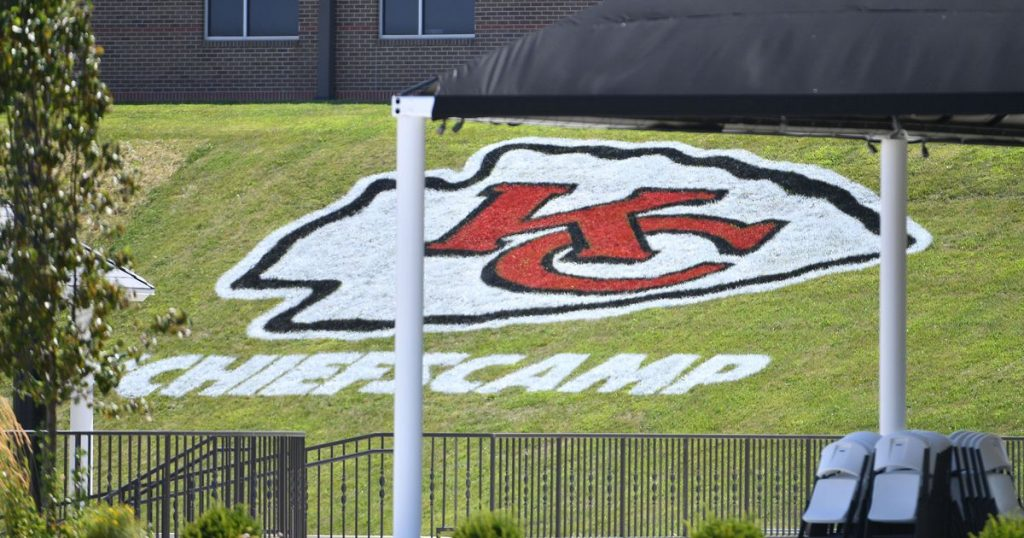 Football NFL to teams: Hold training camps at home