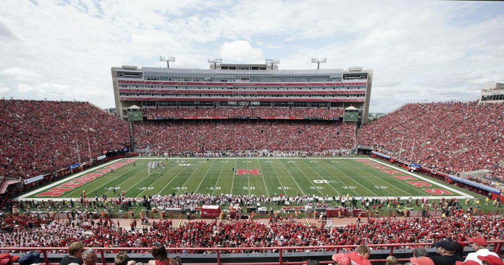 College football Seniority, generosity may decide who enters college stadiums