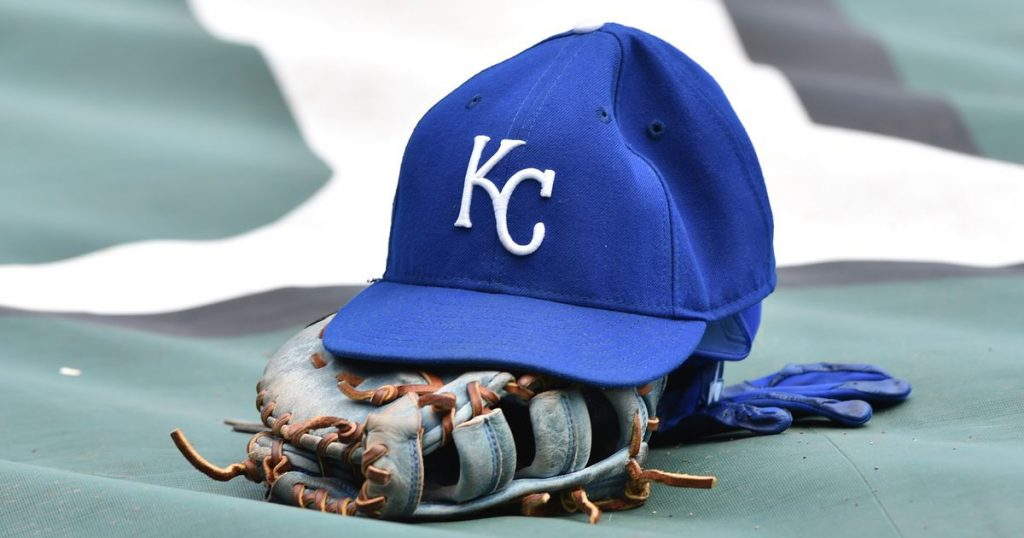 Basketball Royals select prep right-hander Hernandez in second round of MLB Draft